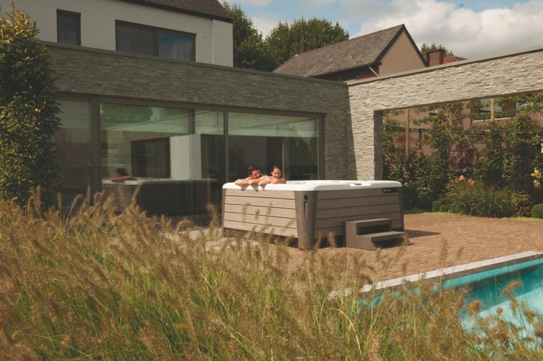 acheter un spa avec les conseils professionnels de hotspring. Black Bedroom Furniture Sets. Home Design Ideas